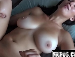 Shae Summers Porn Video - I Know That Girl