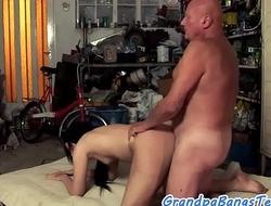 Young amateur swallows grandpas warm jizz