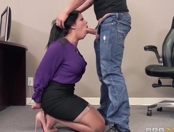Tanned latina with big tits gets fucked indestructible in Brazzers office