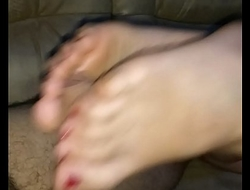 homemade bare footjob with massive cumshot