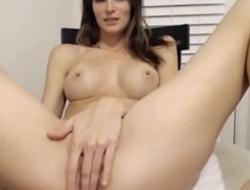 Obese Tits Amateur Camgirl Orgasms Hard - www.trixxxycam.com